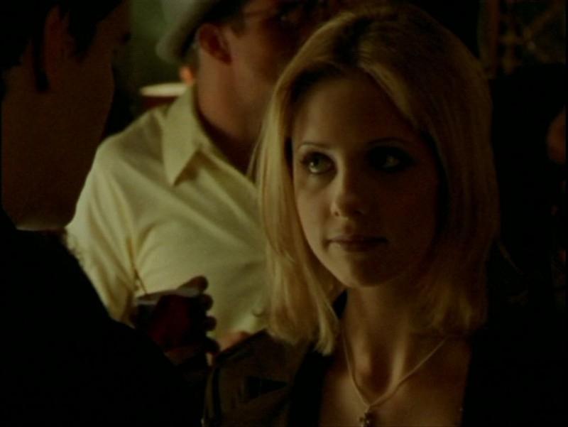 Sarah Michelle Gellar nell'episodio 'La verità fa male' di Buffy - L'ammazzavampiri
