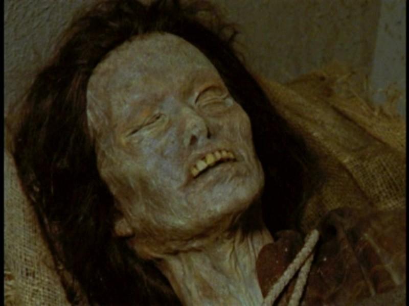 Una scena dell'episodio 'La prescelta' della seconda stagione di Buffy - L'ammazzavampiri