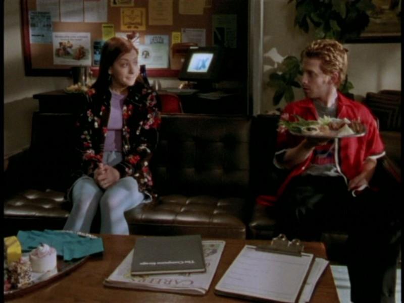 Alyson Hannigan e Seth Green in una scena dell'episodio 'L'unione fa la forza (1° parte)' di Buffy - L'ammazzavampiri