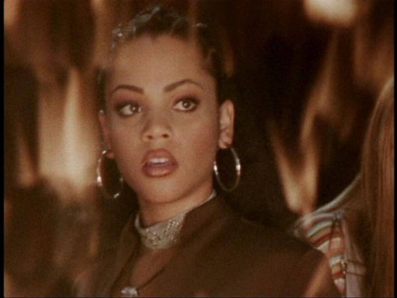 Bianca Lawson in una scena dell'episodio 'L'unione fa la forza (2° parte)' di Buffy - L'ammazzavampiri