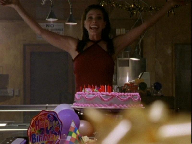 Charisma Carpenter in una scena dell'episodio 'Sorpresa' di Buffy - L'ammazzavampiri