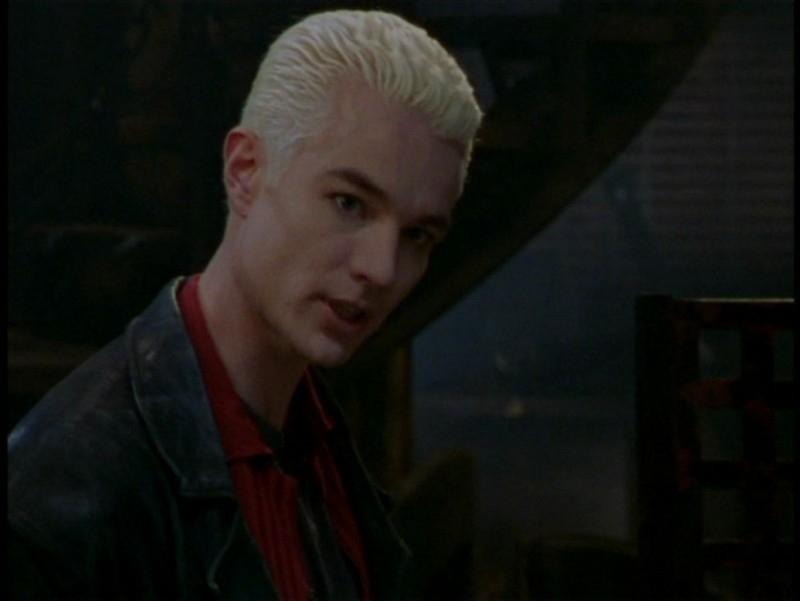 James Marsters in una scena dell'episodio 'L'unione fa la forza (1° parte)' di Buffy - L'ammazzavampiri