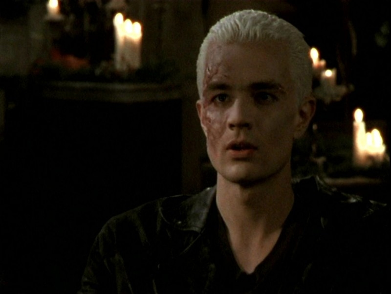 James Marsters in una scena dell'episodio 'Sorpresa' di Buffy - L'ammazzavampiri