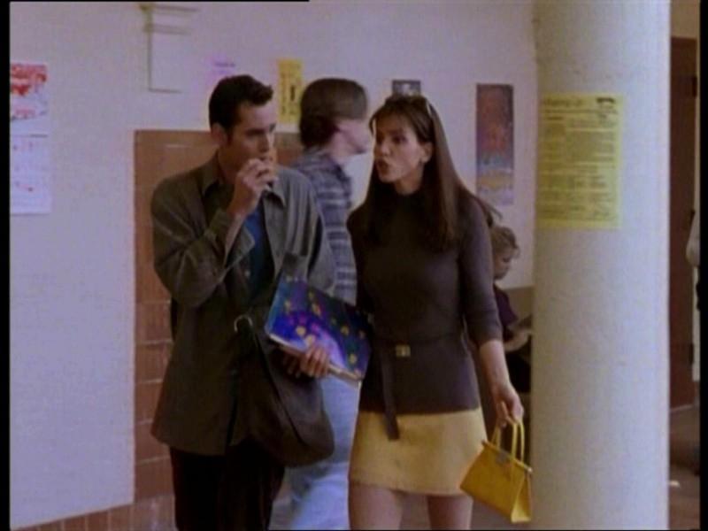 Nicholas Brendon e Charisma Carpenter in una scena dell'episodio 'Il fidanzato di mamma' di Buffy - L'ammazzavampiri
