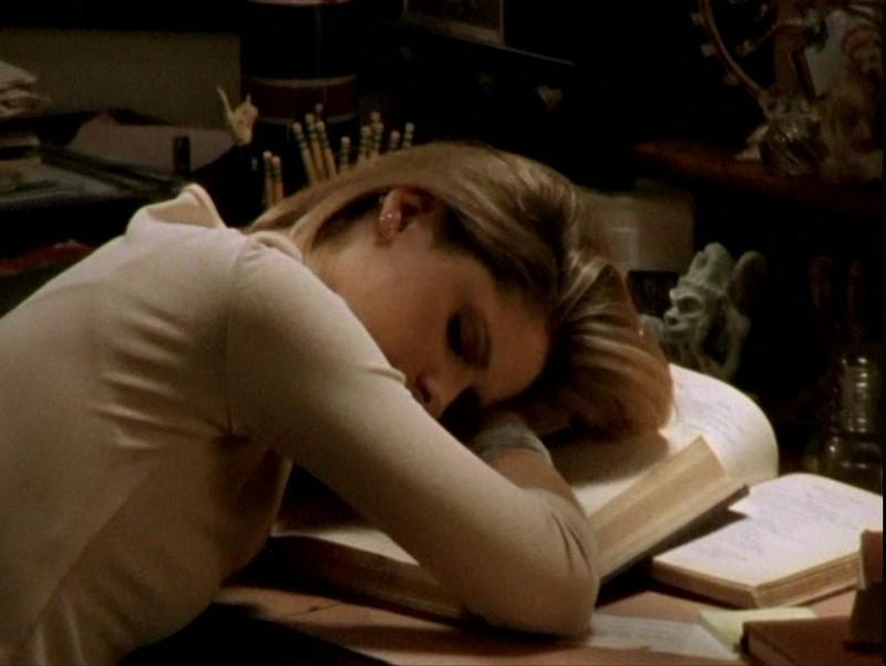 Sarah Michelle Gellar in una scena dell'episodio 'Sorpresa' di Buffy - L'ammazzavampiri