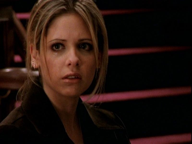 Sarah Michelle Gellar nell'episodio 'Un attimo di felicità' di Buffy - L'ammazzavampiri