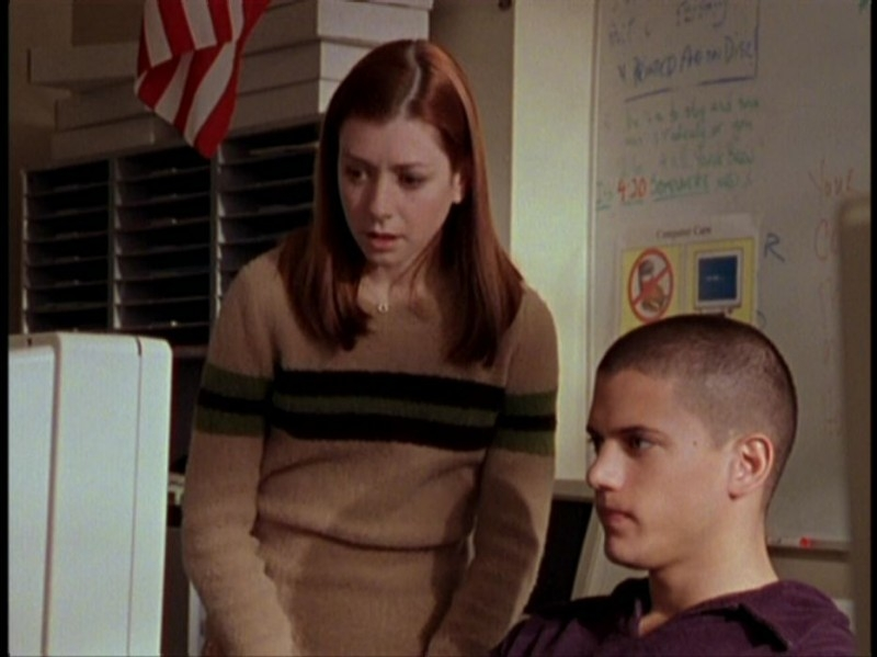 Alyson Hannigan e Wentworth Miller in una sequenza dell'episodio 'Il DNA del campione' di Buffy - L'ammazzavampiri