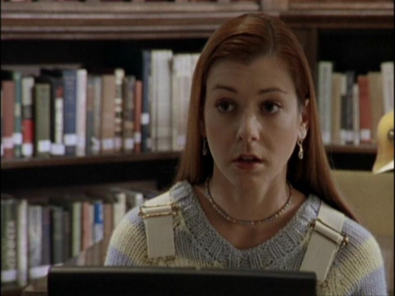 Alyson Hannigan in una scena dell'episodio 'Notte di luna piena' di Buffy - L'ammazzavampiri