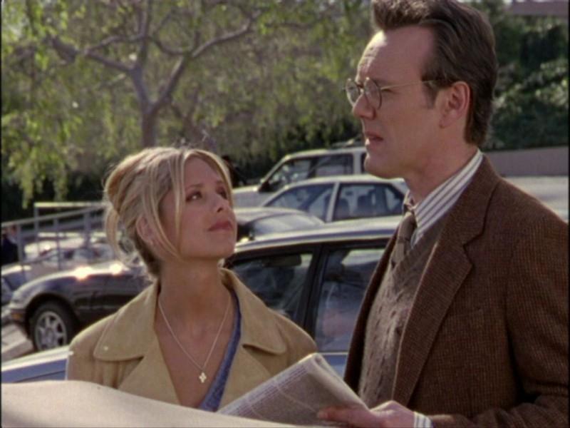 Anthony Head e Sarah Michelle Gellar in una sequenza dell'episodio 'Notte di luna piena' di Buffy - L'ammazzavampiri