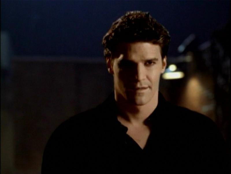 David Boreanaz in una scena dell'episodio 'Passioni' di Buffy - L'ammazzavampiri