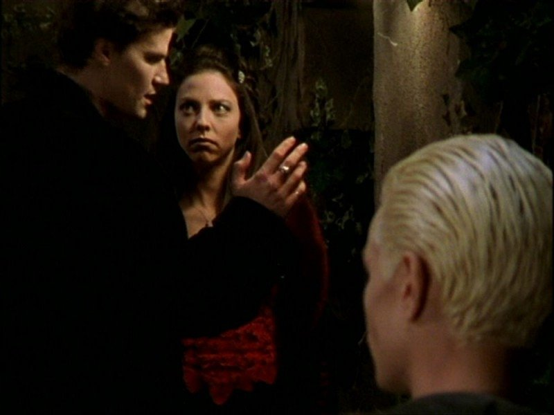 David Boreanaz, Juliet Landau e James Marsters in una scena dell'episodio 'Per sempre' della seconda stagione di Buffy - L'ammazzavampiri