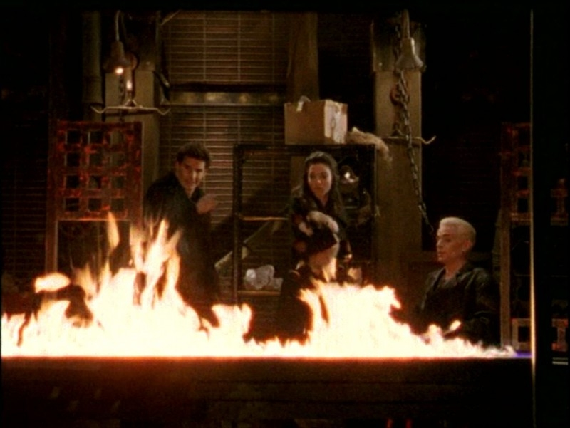 David Boreanaz, Juliet Landau e James Marsters nell'episodio 'Passioni' di Buffy - L'ammazzavampiri