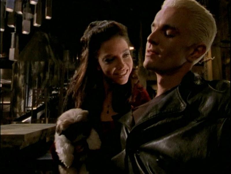 James Marsters e Juliet Landau in una scena dell'episodio 'Passioni' di Buffy - L'ammazzavampiri