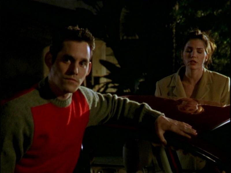 Nicholas Brendon e Charisma Carpenter in una scena dell'episodio 'Passioni' di Buffy - L'ammazzavampiri