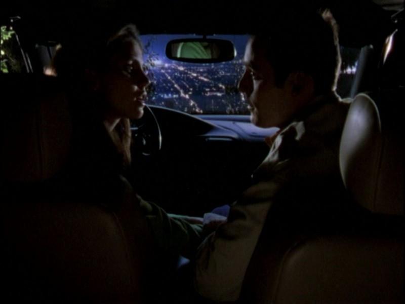 Nicholas Brendon e Charisma Carpenter nell'episodio 'Notte di luna piena' di Buffy - L'ammazzavampiri