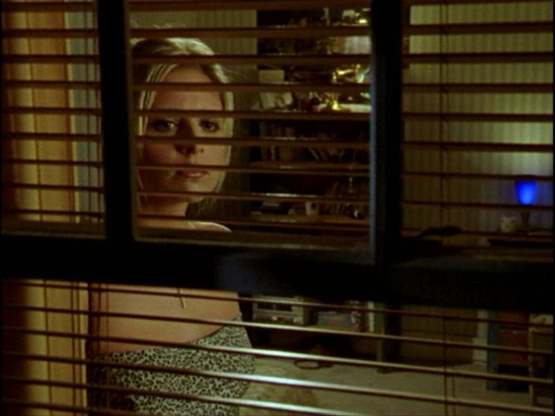 Sarah Michelle Gellar in una scena dell'episodio 'Passioni' di Buffy - L'ammazzavampiri