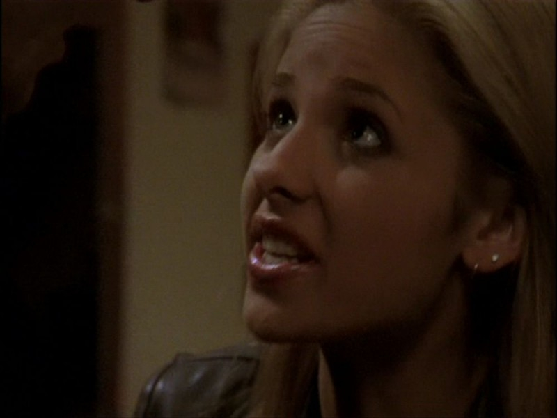 Sarah Michelle Gellar in una sequenza dell'episodio 'Per sempre' della seconda stagione di Buffy - L'ammazzavampiri