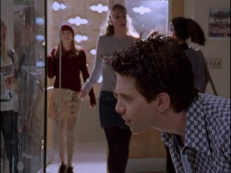 Seth Green in una scena dell'episodio 'Notte di luna piena' di Buffy - L'ammazzavampiri