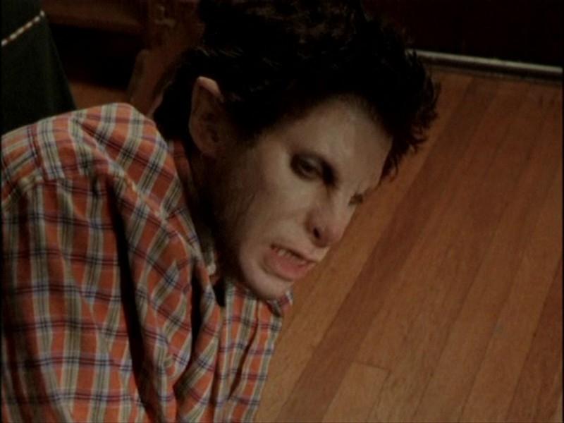 Seth Green si trasforma nell'episodio 'Notte di luna piena' di Buffy - L'ammazzavampiri