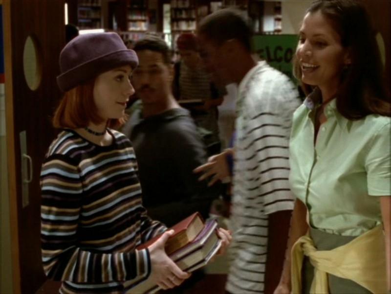 Alyson Hannigan e Charisma Carpenter nell'episodio 'Identità segreta' di Buffy - L'ammazzavampiri