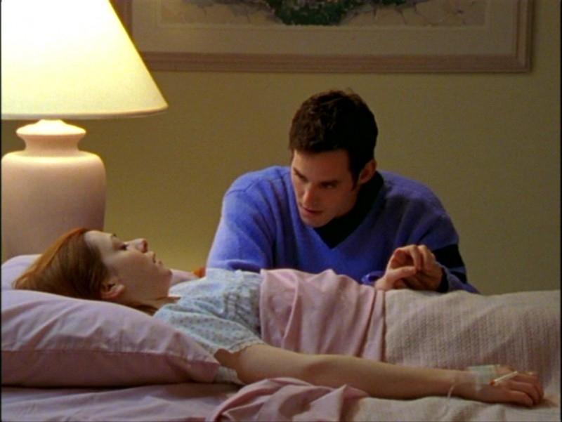 Alyson Hannigan e Nicholas Brendon in una scena dell'episodio 'L'inizio della storia (2ª parte)' di Buffy - L'ammazzavampiri