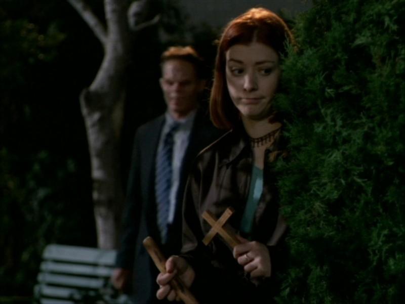 Alyson Hannigan in una scena dell'episodio 'Identità segreta' di Buffy - L'ammazzavampiri