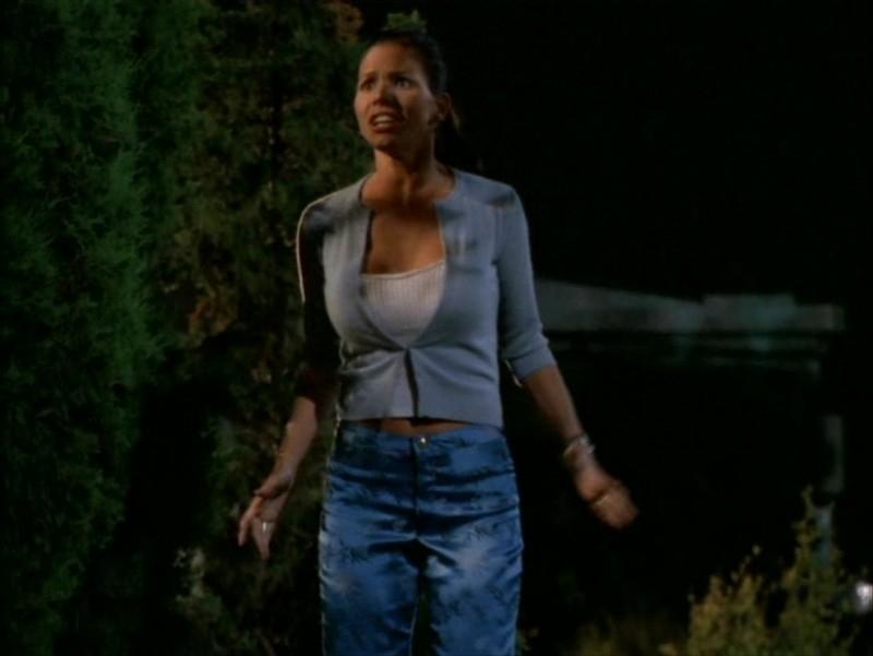 Charisma Carpenter nell'episodio 'Identità segreta' di Buffy - L'ammazzavampiri
