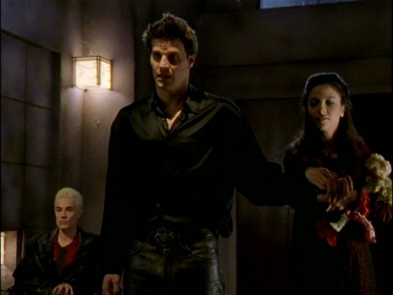 David Boreanaz, James Marsters e Juliet Landau in una sequenza dell'episodio 'L'inizio della storia (2ª parte)' della seconda stagione di Buffy - L'ammazzavampiri