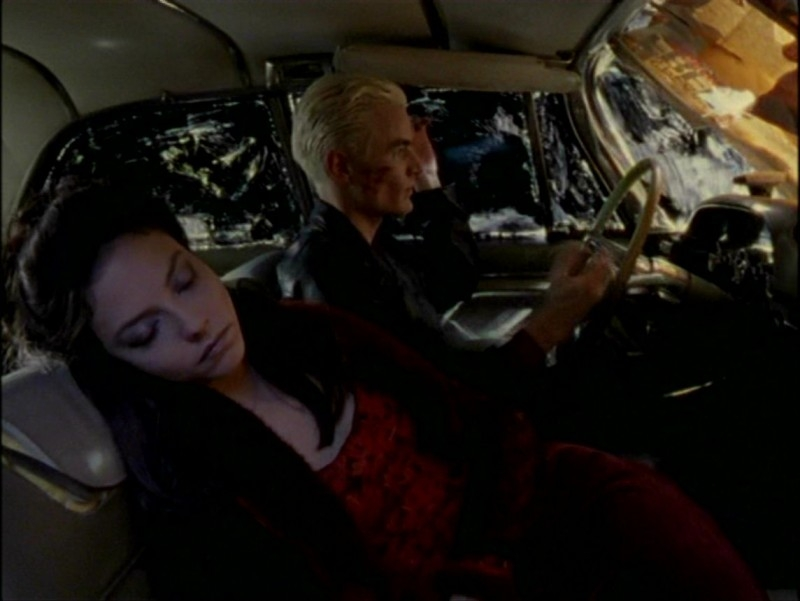 James Marsters e Juliet Landau in una sequenza dell'episodio 'L'inizio della storia (2ª parte)' della seconda stagione di Buffy - L'ammazzavampiri