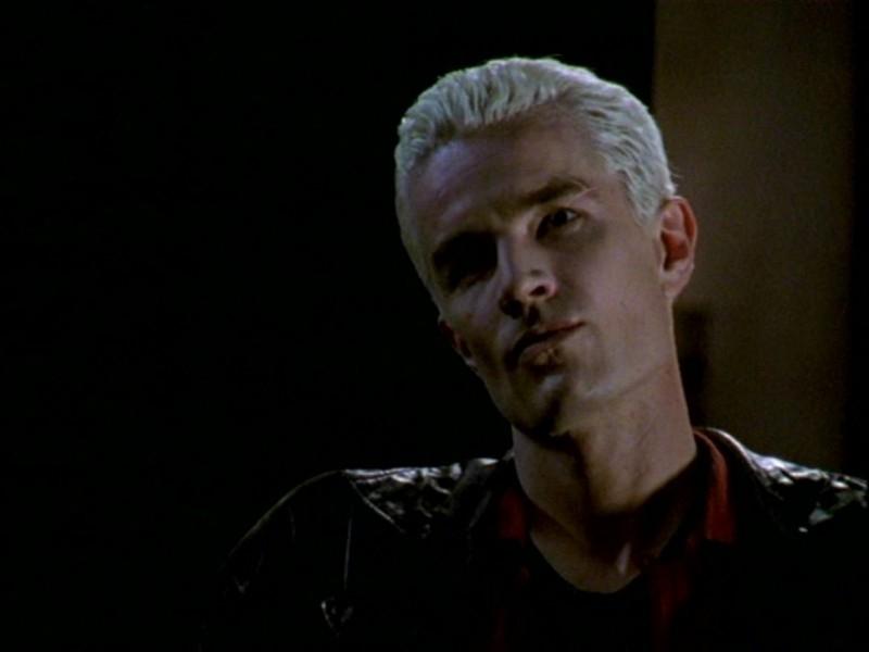 James Marsters nell'episodio 'L'inizio della storia (1ª parte)' della seconda stagione di Buffy - L'ammazzavampiri