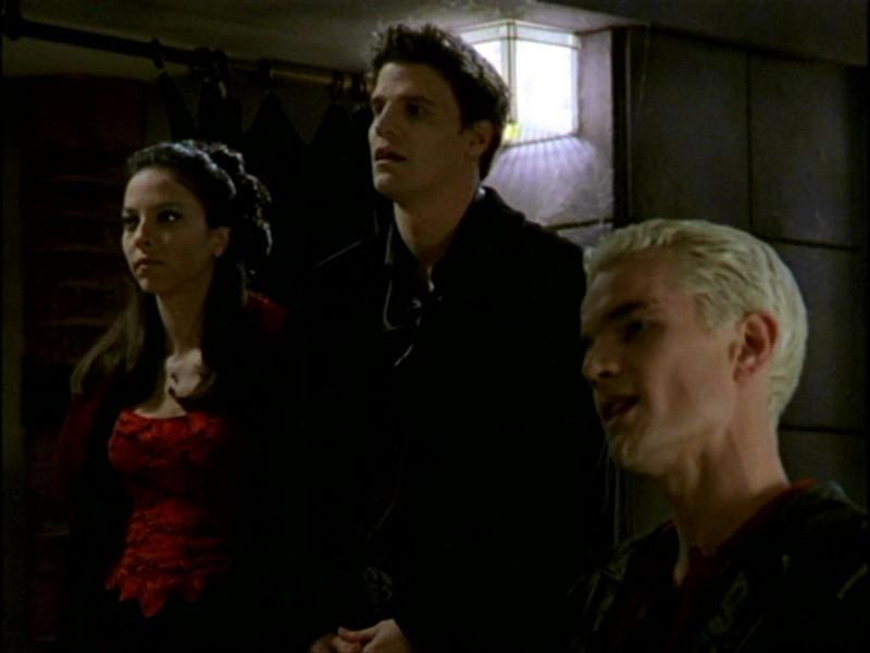 Juliet Landau, David Boreanaz e James Marsters in una scena dell'episodio 'L'inizio della storia (1ª parte)' della seconda stagione di Buffy - L'ammazzavampiri