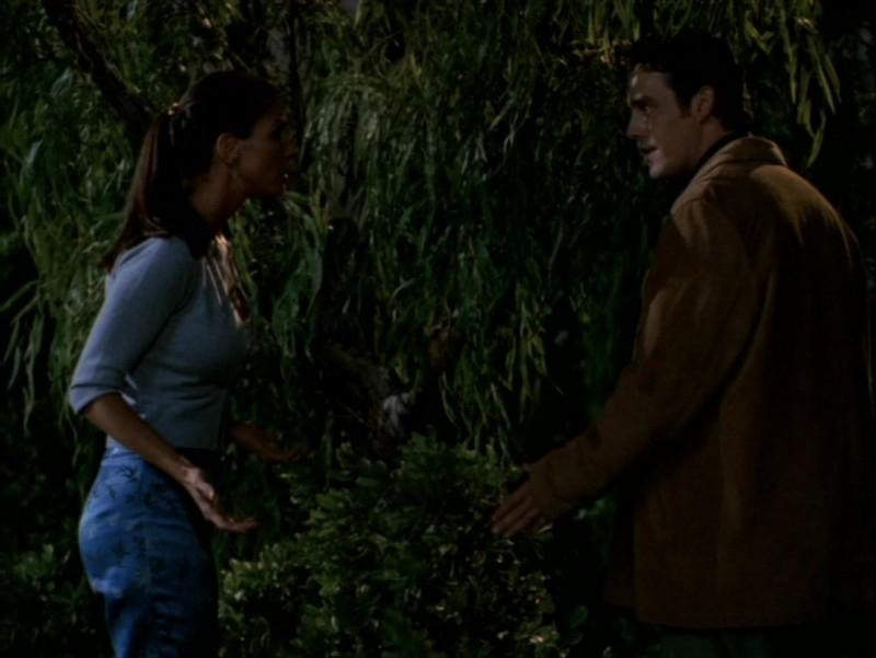 Nicholas Brendon e Charisma Carpenter nell'episodio 'Identità segreta' di Buffy - L'ammazzavampiri