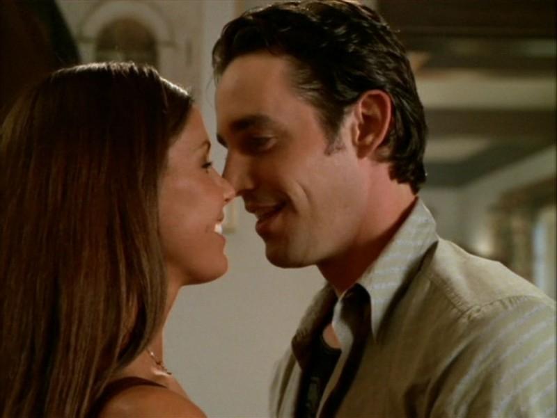 Nicholas Brendon e Charisma Carpenter nell'episodio 'La festa dei morti viventi' di Buffy - L'ammazzavampiri