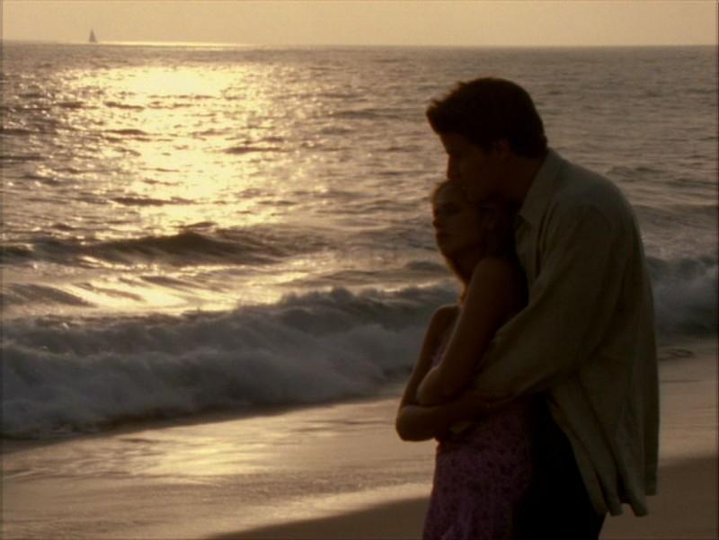 Sarah Michelle Gellar e David Boreanaz nell'episodio 'Identità segreta' di Buffy - L'ammazzavampiri