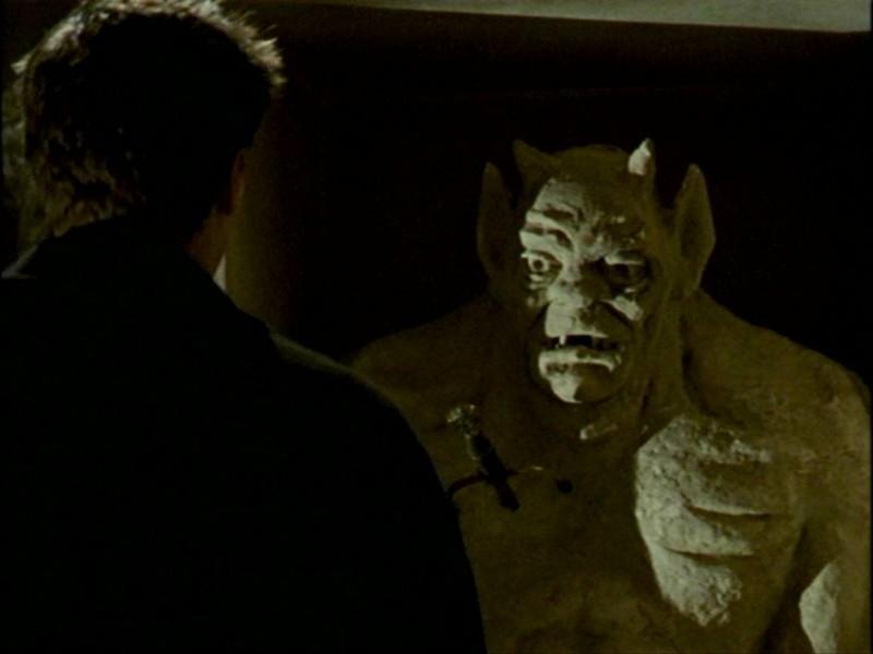 Un'immagine dell'episodio 'L'inizio della storia (1ª parte)' della seconda stagione di Buffy - L'ammazzavampiri