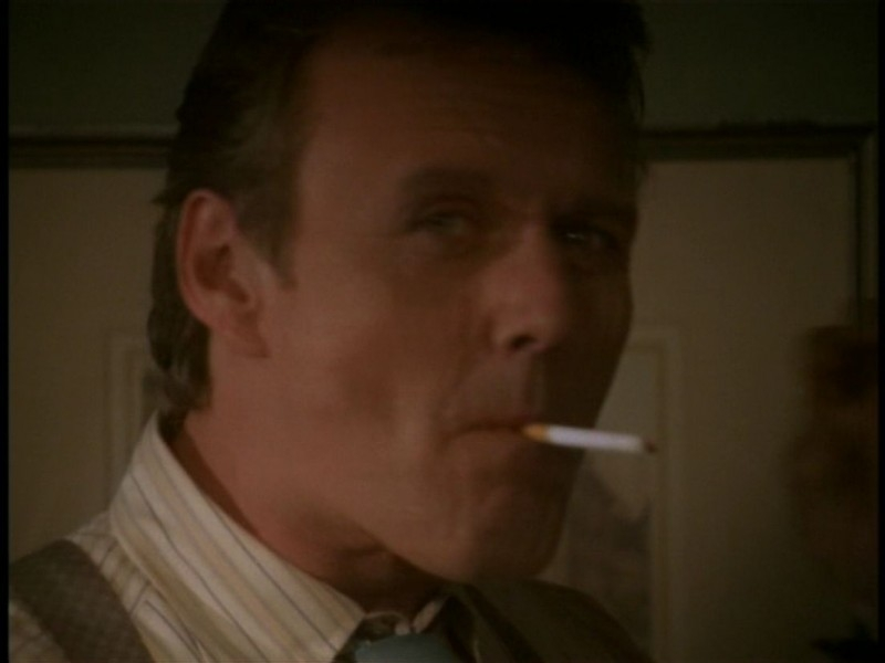 Anthony Head in una scena dell'episodio 'I dolci della banda' di Buffy - L'ammazzavampiri