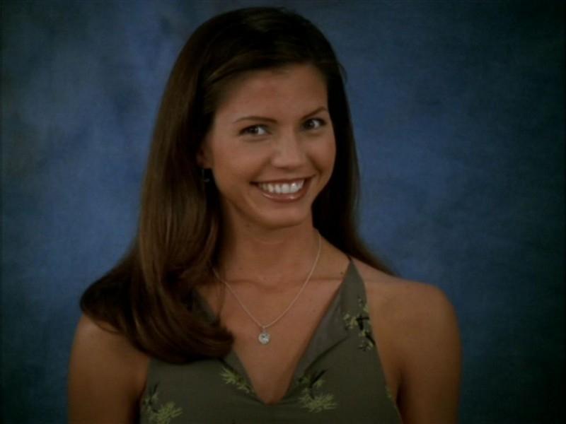 Charisma Carpenter nell'episodio 'Il ballo di fine corso' di Buffy - L'ammazzavampiri