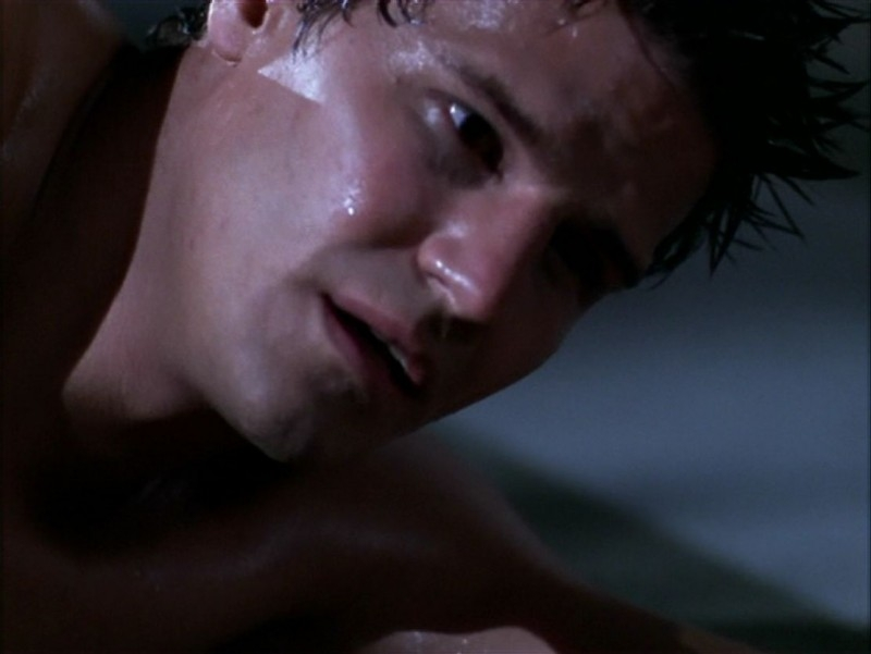 David Boreanaz nell'episodio 'L'incantesimo' di Buffy - L'ammazzavampiri