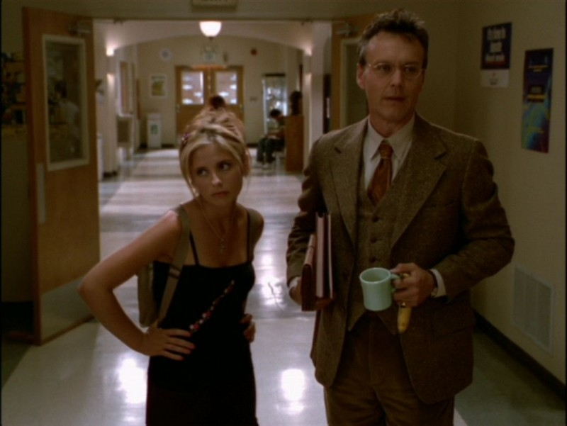 Sarah Michelle Gellar e Anthony Head in una scena dell'episodio 'L'incantesimo' di Buffy - L'ammazzavampiri