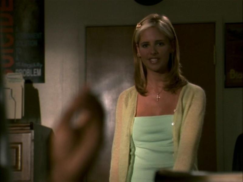 Sarah Michelle Gellar nell'episodio 'La bella e le bestie' di Buffy - L'ammazzavampiri