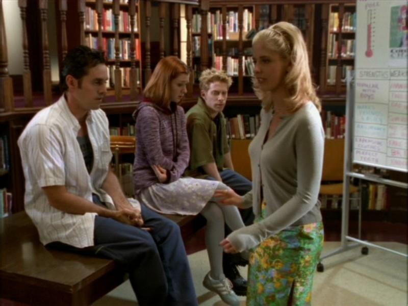 Seth Green, Alyson Hannigan, Nicholas Brendon e Sarah Michelle Gellar nell'episodio 'Il ballo di fine corso' di Buffy - L'ammazzavampiri