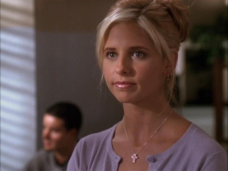 Un'immagine di Sarah Michelle Gellar dall'episodio 'Il ballo di fine corso' di Buffy - L'ammazzavampiri