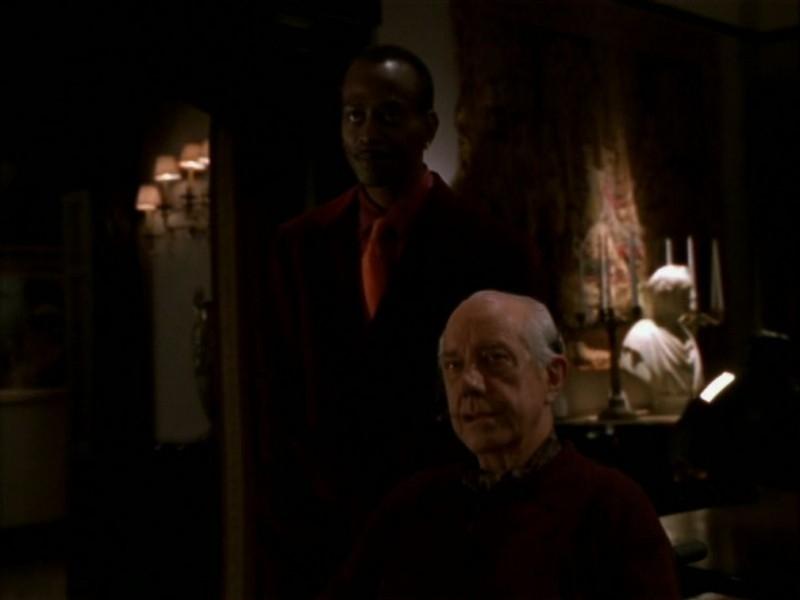 Una scena dell'episodio 'Il ballo di fine corso' di Buffy - L'ammazzavampiri