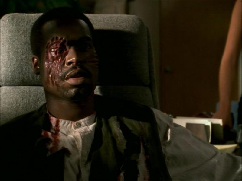 Una scena dell'episodio 'La bella e le bestie' di Buffy - L'ammazzavampiri