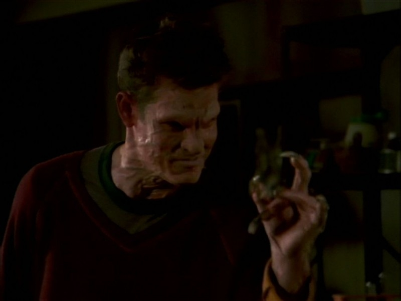 Una scena tratta dall'episodio 'La bella e le bestie' di Buffy - L'ammazzavampiri