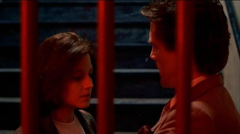 Jodie Foster e Anthony Heald in una scena de IL SILENZIO DEGLI INNOCENTI