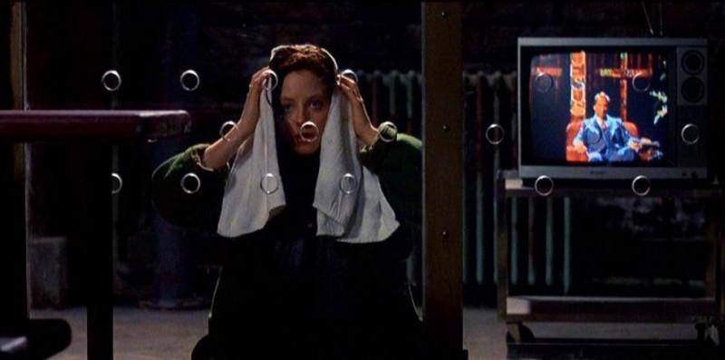 Jodie Foster in una scena del classico IL SILENZIO DEGLI INNOCENTI