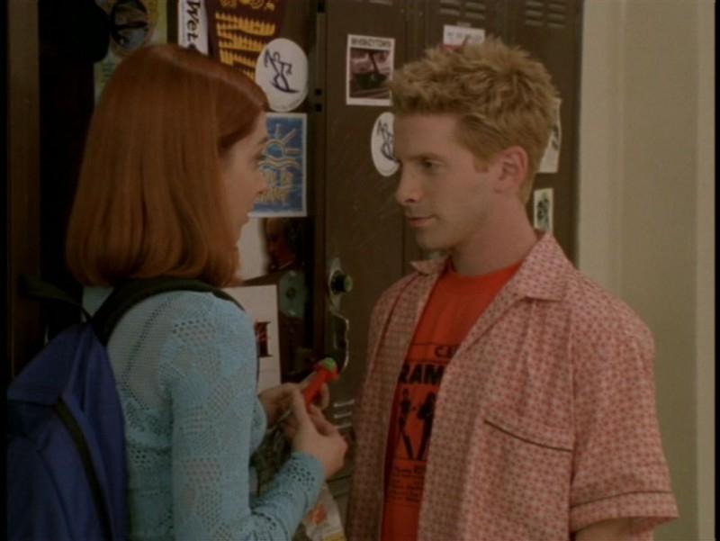 Alyson Hannigan e Seth Green in una scena dell'episodio 'Il sentiero degli amanti' di Buffy - L'ammazzavampiri