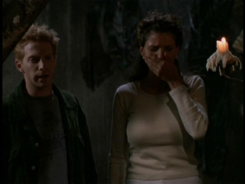 Charisma Carpenter e Seth Green nell'episodio 'Il sentiero degli amanti' di Buffy - L'ammazzavampiri