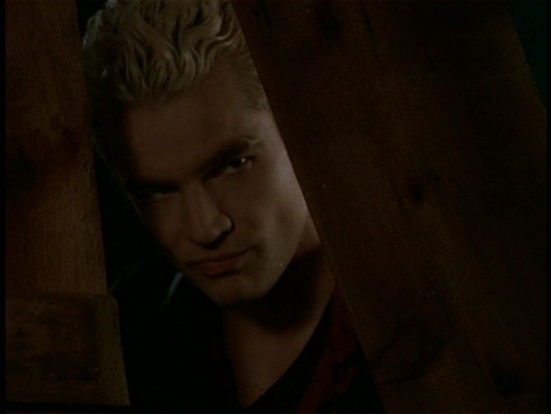 James Marsters in una scena dell'episodio 'Il sentiero degli amanti' di Buffy - L'ammazzavampiri
